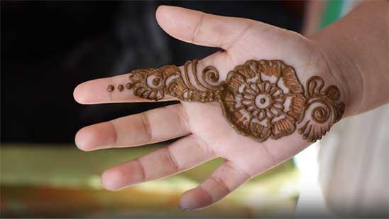 Simple Mehndi Design for Kids