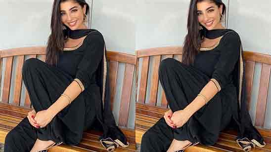 Simple Girl in Salwar Suit dp